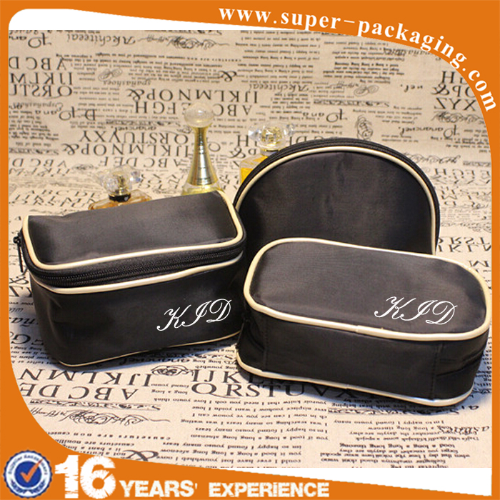 Promotion custom 600D ladies fashion travel set cosmetic bag for makeup