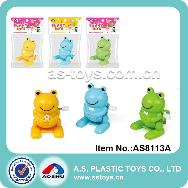 Baby plastic cute animals wind up skip bucket frog toy
