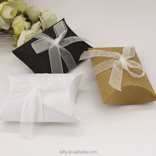 bridal shower Wedding Favours Boxes Craft Paper small Pillow Sweet door Gift Candy Boxes bags