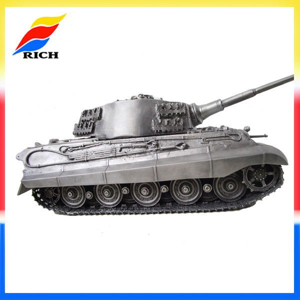 German King Tiger 1:35 Scale Model Tank, tank model collection