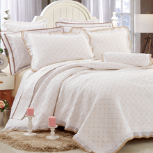 wholesale fancy 100% polyester bedspread from Chinese suppliers