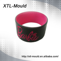 Beauty Color Rfid Silicone Wristbands Debossed Soft Silicon Bracelet with White Color Filled