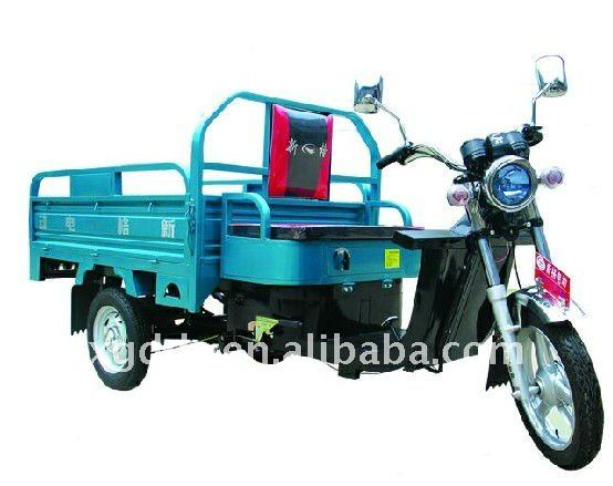 Electric Cargo Tricycle for Loading