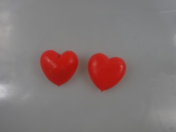 High Quality Novelty Design flashing heart Capsule Toys