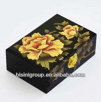 Classic Folk Art Jewelry Box Finished by Handcrafted Lacquer Painting BF06-1028