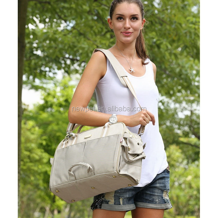 Fine quality new fashion pet dog messenger bag portable cat carry cage travel pet bag for cat