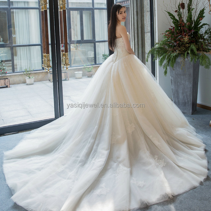 2018 Guangzhou factory sale elegant ball gown lace wedding dress in 5A grade quality