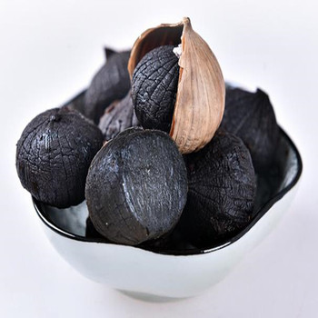 Delicious Peeled bulb Black Garlic from fermented