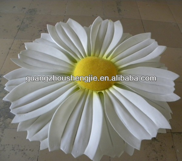Guangzhou manufaturer produce fairy tale world plastic high imitated fake decorative big artificial Daisy flower plants