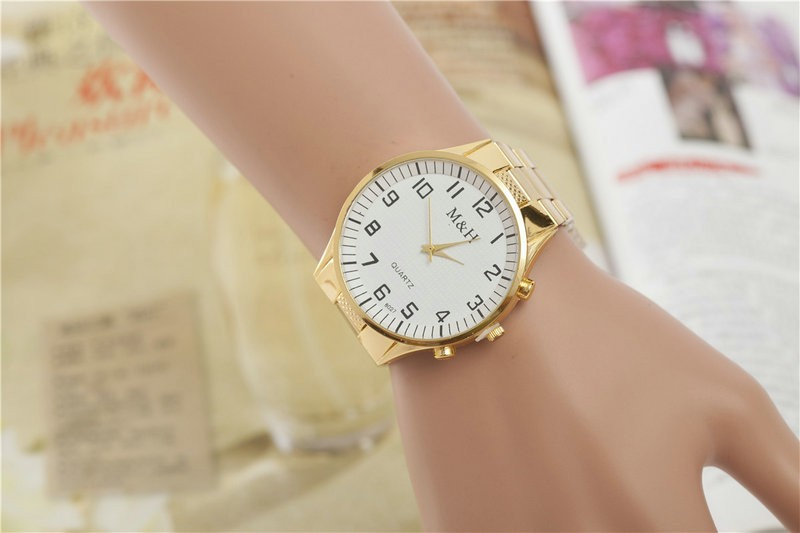 hotselling quartz alloy watch for men and women fashion white-yellow surface gold watch