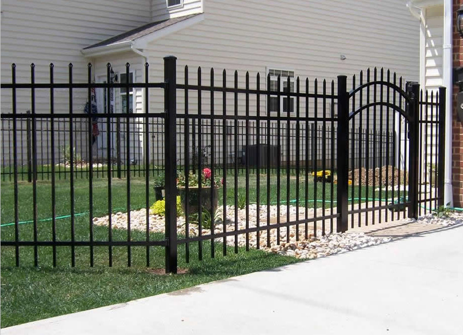 Powder coated wrought iron gate and steel fence view - Cercas de hierro ...