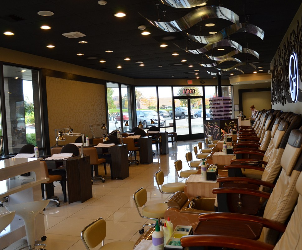 Manicure chair table and furniture nail salon station for Nail salon equipment and furniture