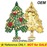 Cheap Promoitonal Stocking Metal Brooch Christmas Tree Crystal Lapel Pin