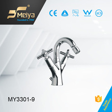 China new design deck mounted two handle bedit tap faucet for women