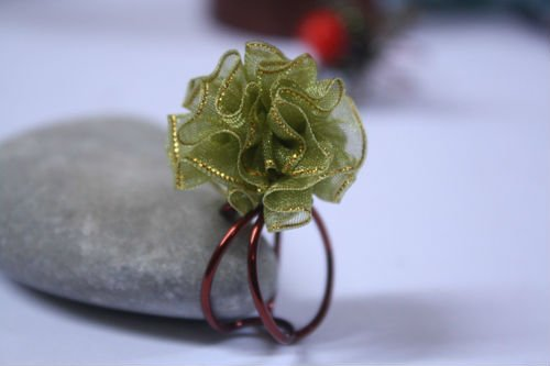 FASHION WIRE RING - GREEN RIBBON