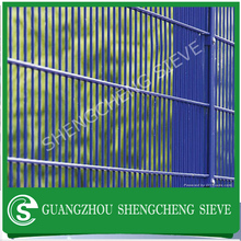 With more than 20 year's industry experience Shipping Port Security fencing,border guards
