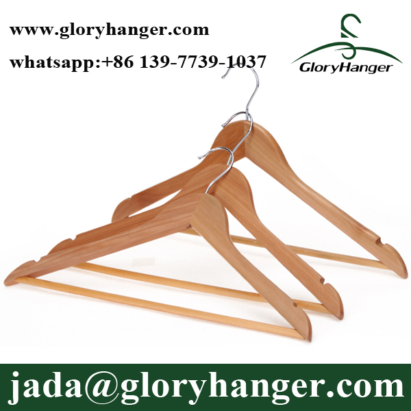 Wholesale Coat Hangers in Wood With Anti-slip Pants Bar