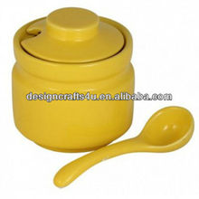 Beautiful and Durable Fermenting Crock Pot with A Spoon