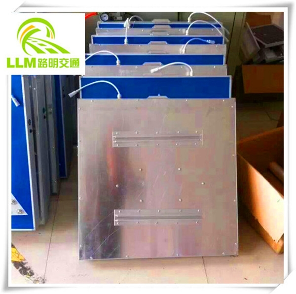 Customized high brightness Solar Powered Pedestrian Sign