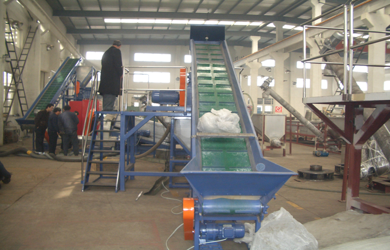 robber conveyor belt loader for plastic recycling