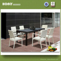 Indoor rattan dining table and chairs pe rattan dining set