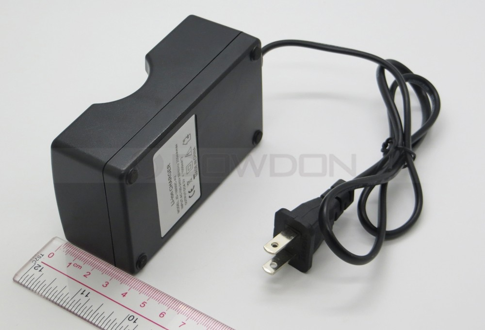 US/EU Wall Li-ion Charger for 18650 Rechargeable Battery 2 Bay
