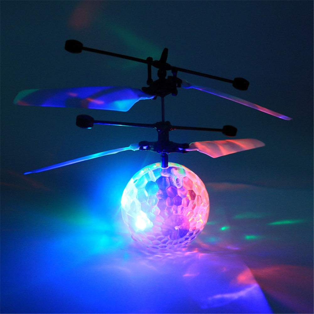 2017 New Product Crystal Ball Induction LED Light Aircraft DetectiveFloating Flying Ball Toy