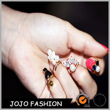 Latest Brand Creative gemstone ring tone alloy long finger tip nail ring