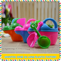China manufacturer funny plastic beach toy candy