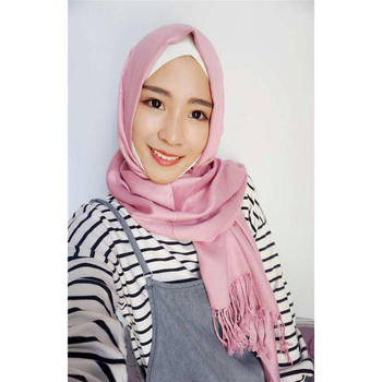High quality popular newest style cotton scarf hijab with tassel