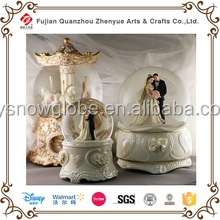 Hot Sales 2017 Photo Glass Plastic Polyresin Wedding Couple Snow Globe,Wedding Favors Snow Globe