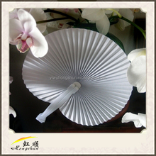 chinese white popular beautiful plastic hand fan for wedding gift