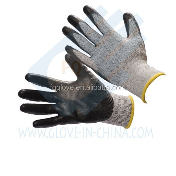 13gaugeHDPE Knitted Cut-resistant Gloves Coated black nitrile foam on palm