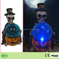 Halloween decoration solar led light resin skull statue with party decor lights