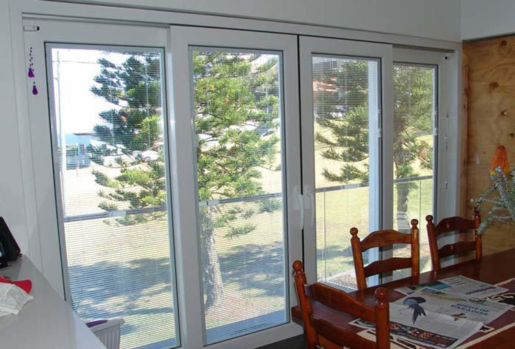 new fancy custom one way window blinds in double glass. Black Bedroom Furniture Sets. Home Design Ideas