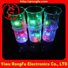 Wholesale china custom night glow cup light-up led cup plastic cup 200ml