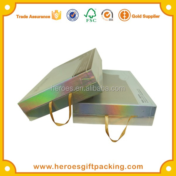 Trade Assurance Clamshell Gold Card Gift Paper Packaging Box with Ribbon