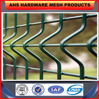 beautiful and durable triangle bending mesh fence