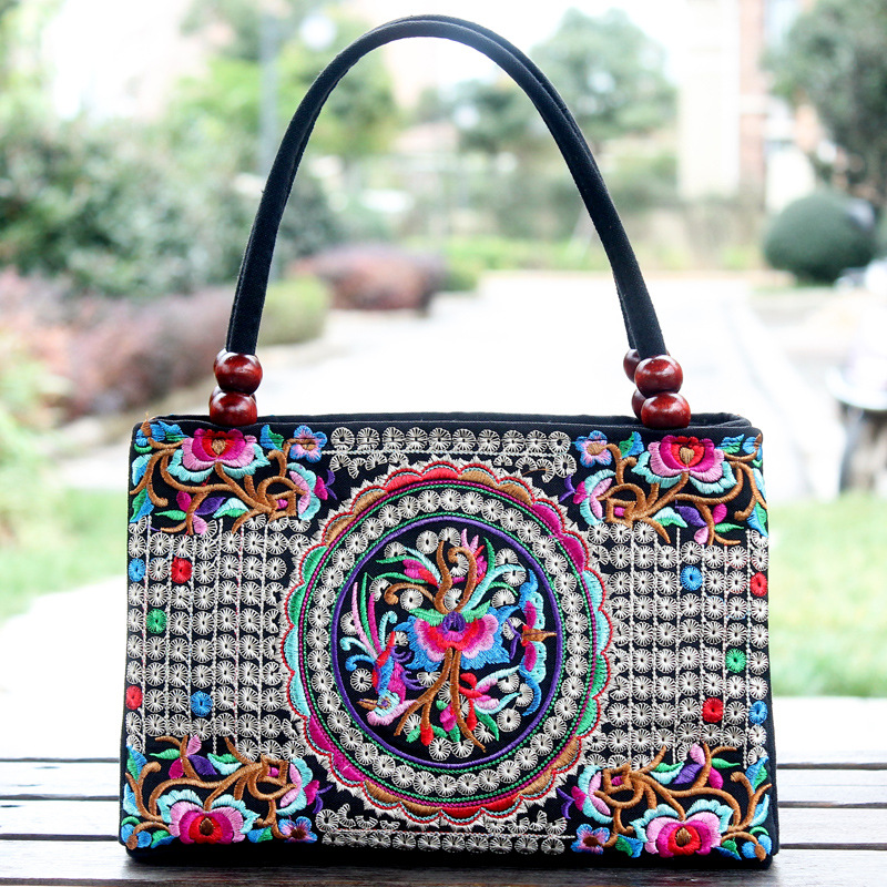 2017woman fashion folk style small sachet <strong>bag</strong>