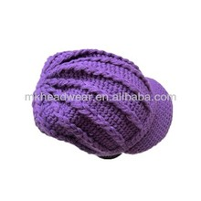 100% Acrylic Fashion Custom Winter Knitted Beanie Hat with Peak