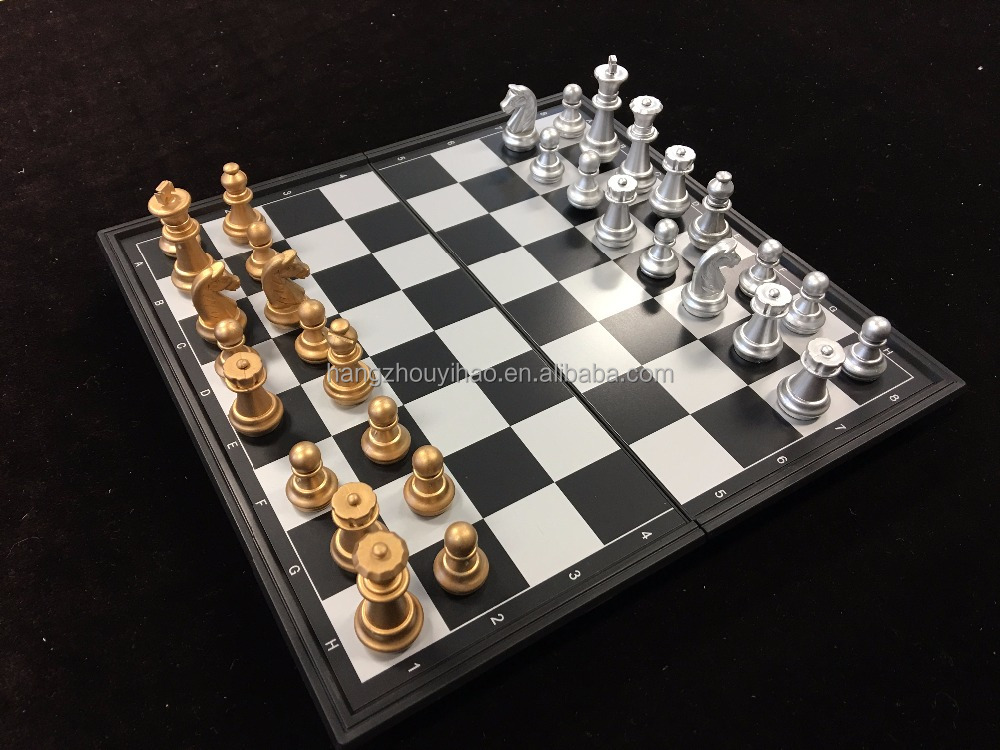 2017 Newest High Quality Cheap Plastic Folding Magnetic Chess Boards / Chess set / Chess game