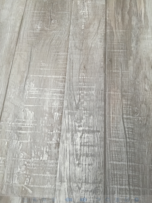 China floor manufacturer 12mm E1 grade wood grain look timber laminated flooring