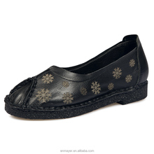 England round head retro style pictures casual soft leather printed snowflak ladies women single shoes