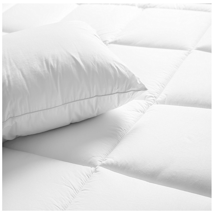 High Grade Hotel From China Manufacturer Polyester quilt