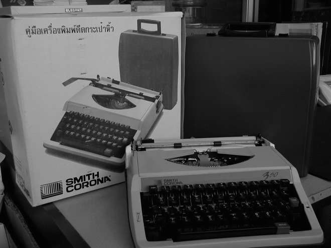Thai Manual Typewriter