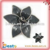 SF0410 Handmade ladies leather flower brooches with chain