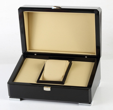 Fashion Design Single Wood Lacquered High Gloss Unique Packaging Storage Display Custom Luxury Watch Box