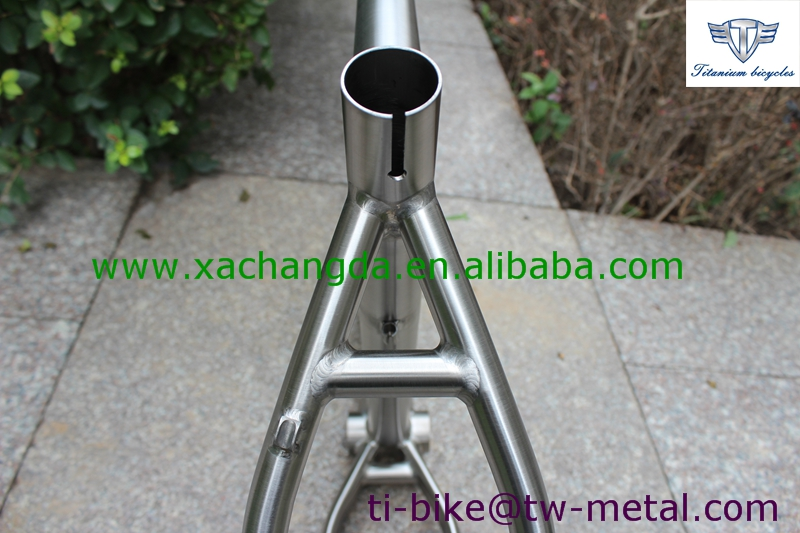 XACD titanium tandem bike frame with 148 dropouts, customized titanium bicycle frame with inner cable routing, cheap Ti tandem