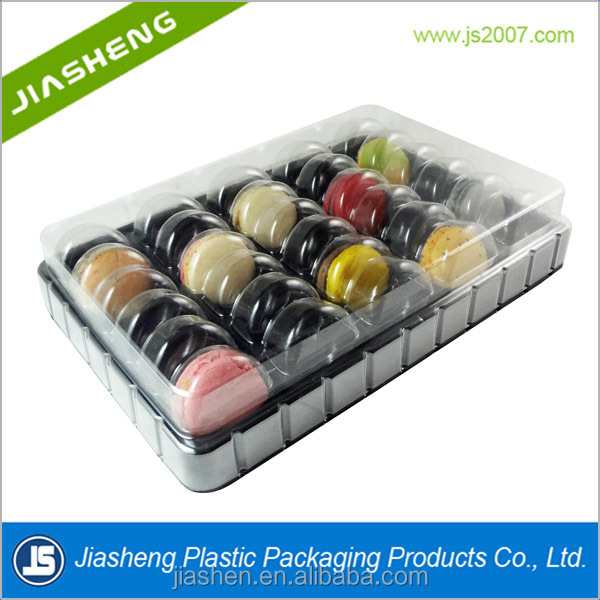 Clear macaron blister pack