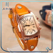 New products made in China free sample wholesale Couple watch on sale women